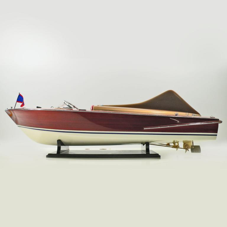 Handmade speed boat model of the Chris Craft Cobra