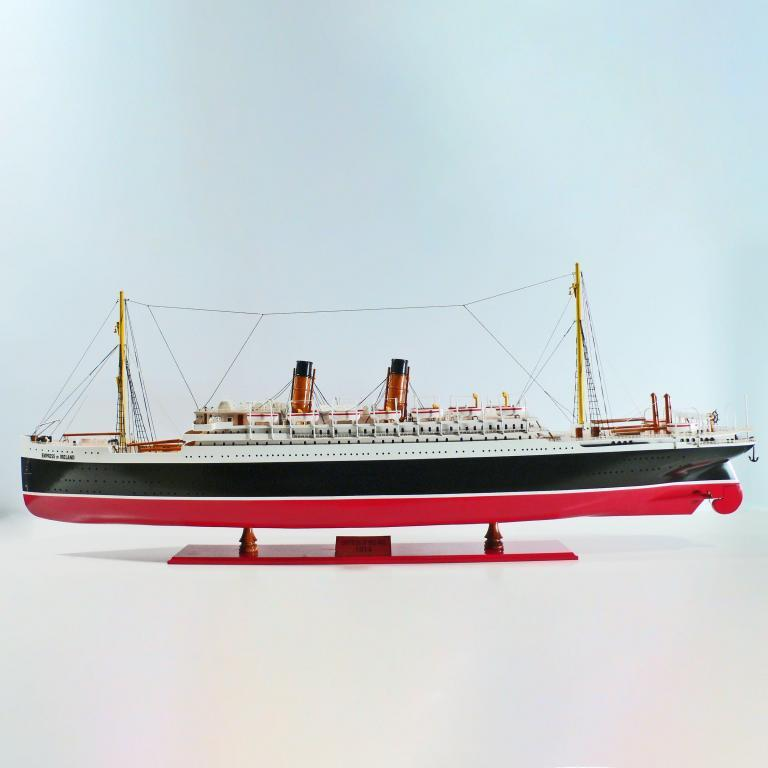 Handmade wooden cruise ship model of the Empress of Ireland (120cm)