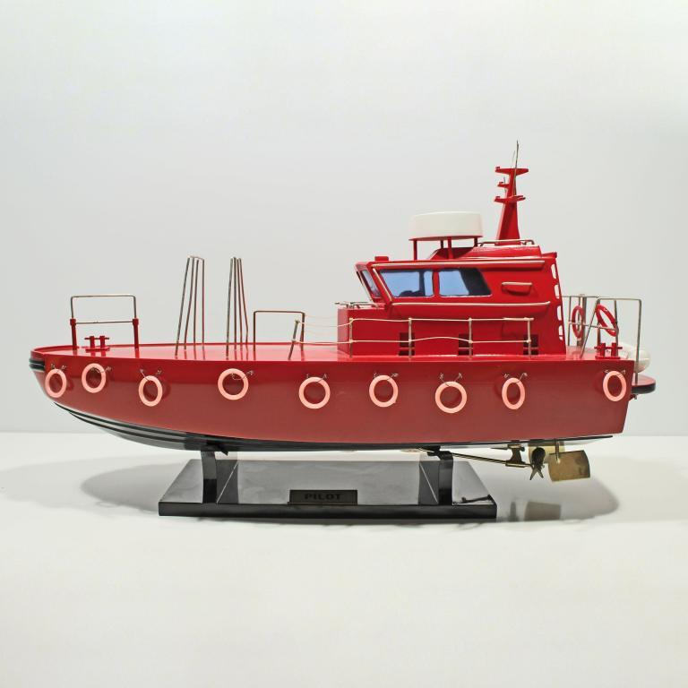 Handcrafted ship model from wood of the Pilot