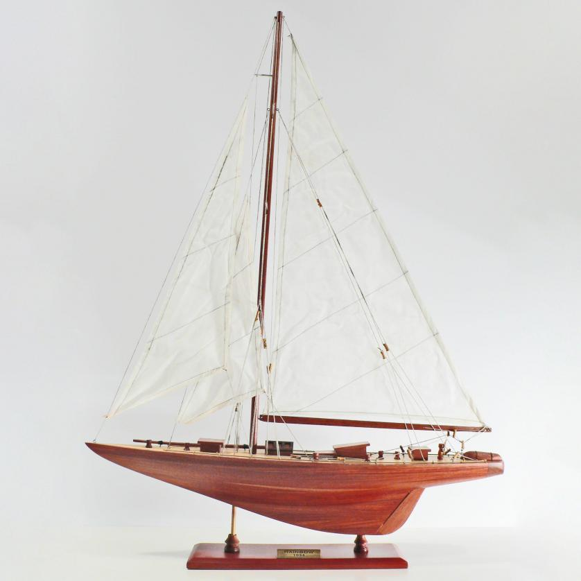 Handcrafted sailing ship model of the Rainbow
