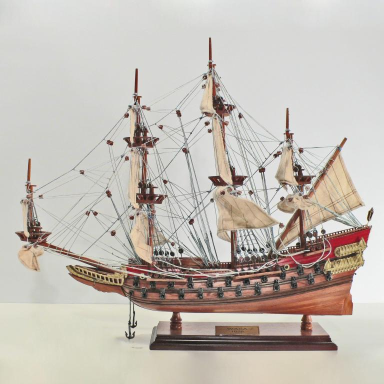 Handcrafted ship model from wood of the Wasa (red)