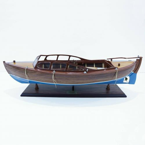 Handcrafted ship model from wood of the Snekke