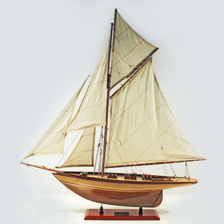Handcrafted sailing ship model of the Avel