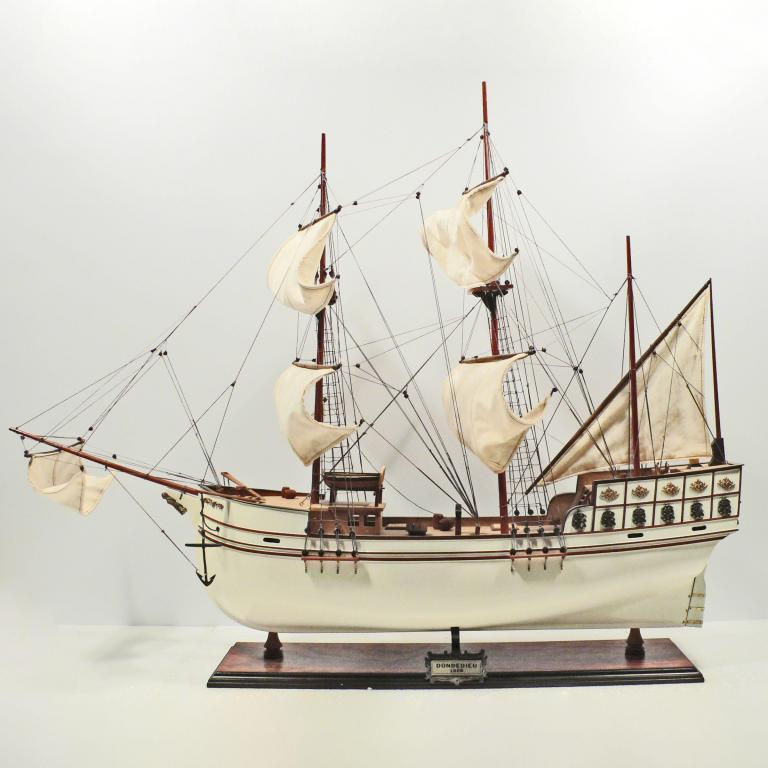 Handmade historical sailing ship model of the Donde Dieu