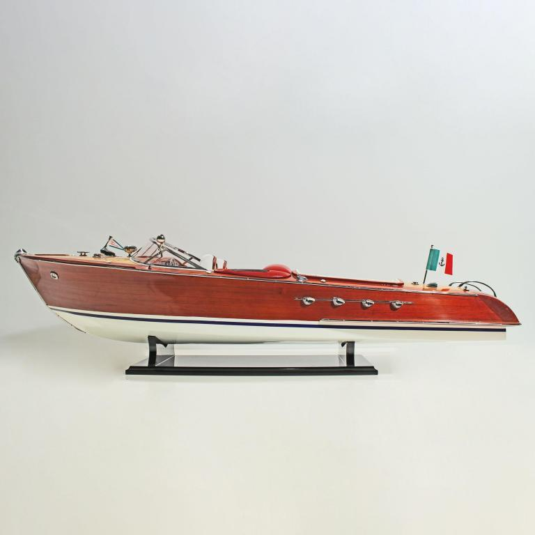 Handmade speed boat model of the Riva Aquarama