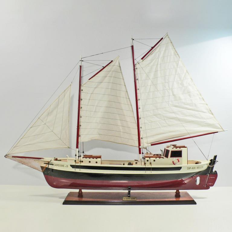 Handcrafted sailing ship model of the La Gaspes Enne
