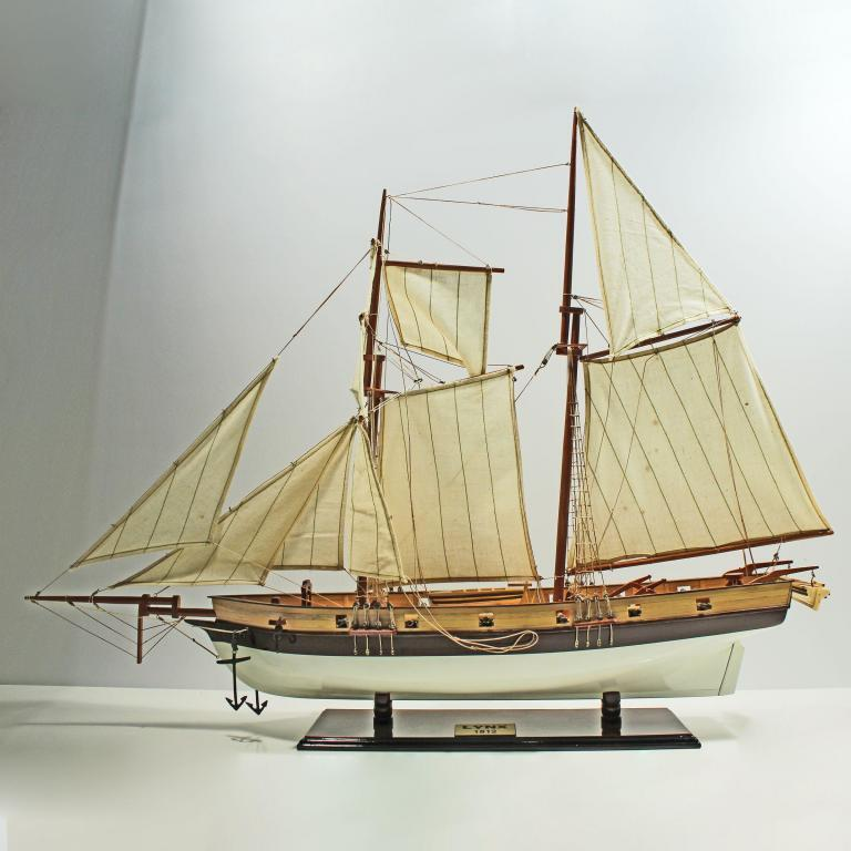 Handmade historical sailing ship model of the Lynx