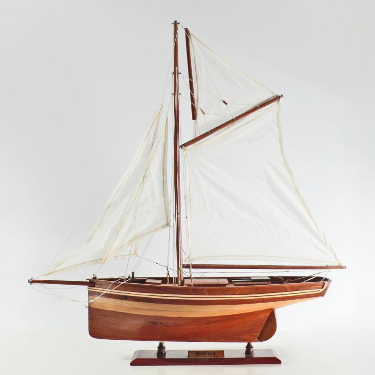 Handcrafted sailing ship model of the Pilot (50cm)
