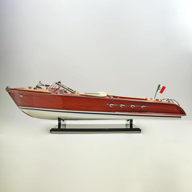 Handmade speed boat model of the Riva Aquarama Replice