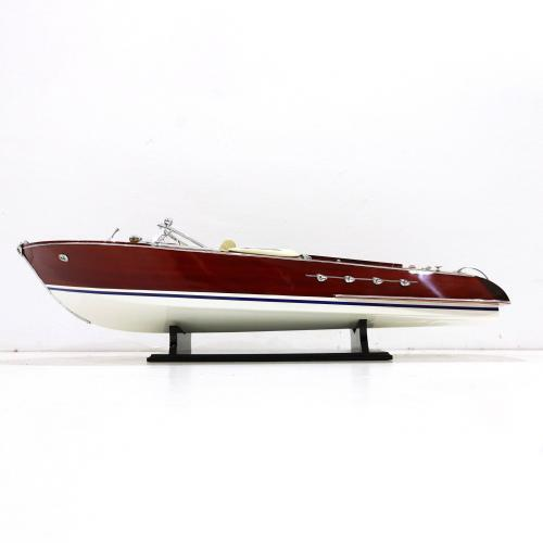 Handmade speed boat model of a italian Speedboat